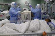 Por ahora, hay 701 personas hospitalizadas confirmadas con la enfermedad.