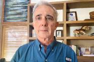 Un juez definirá este miércoles si concede la libertad al expresidente Álvaro Uribe