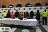 Los detenidos eran buscados por desplazamiento forzado, tráfico de estupefacientes y violencia contra servidor público.