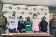 Capturan a cinco presuntos jibaros con mil cigarrillos de marihuana en Medellín