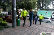 """Los cogieron acostados, la policía capturó a seis delincuentes de """"La 38"""" en Medellín"""