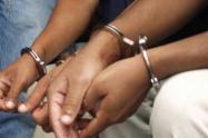 En el operativo fueron aprehendidos dos jóvenes de 17 y 16 años también extranjeros.