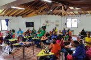 Con estudios de música y porcelana, capacitan ex habitantes de calle de Medellín