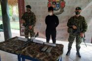 Esta persona es señalada de conformar el componente armado de esta estructura criminal, revelaron las autoridades.