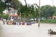 Hay alto riesgo de deslizamientos y crecientes súbitas en ríos y quebradas.