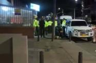Dispararon contra camioneta de escoltas de Piedad Córdoba en medio de un atraco
