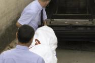 El presunto homicida fue capturado en el techo de la estructura, cuando intentaba escapar.