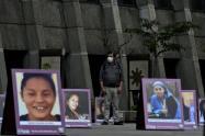Fotos de víctimas de feminicidio, en el marco del Día Internacional para la Eliminación de la Violencia contra la Mujer.