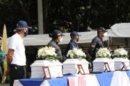 La entrega de los cuerpos se hizo en el parque principal de Dabeiba, Antioquia.