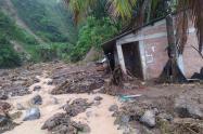 Varias viviendas fueron arrastradas por la corriente en Dabeiba, Antioquia.