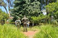 Este cuerpo fue hallado con varias lesiones con arma blanca .