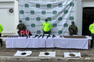 Estas armas eran usadas para extorsionar, intimidar y atentar contra la vida de las familias, informaron las autoridades.