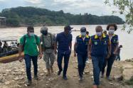 Visita de autoridades departamentales a lugares afectados por lluvias en Chocó