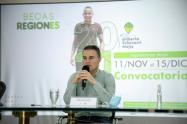 Gobernador de Antioquia, Aníbal Gaviria, presentó el programa Becas Regiones.