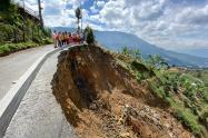 Los puntos críticos son monitoreados por ingenieros y geólogos para prevenir el riesgo.