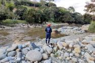 Búsqueda de joven en el río Medellín