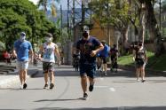 Referencia ciclovía en Medellín.