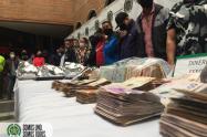 """Policía cogió de los """"cachos"""" a 25 presuntos integrantes de los carabanudos en Medellín"""