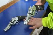 Las armas incautadas eran de uso civil y militar, reveló la Fiscalía General de la Nación.