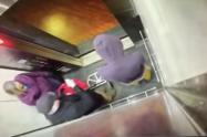 Golpiza a desadaptado en ascensor