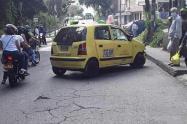 Casi matan a un taxista por robarle en el barrio Robledo