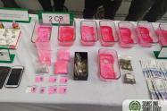 """A """" pipe"""" y a Jeniffer"""" los cogieron con varias papeletas de """"cocaína rosada"""" en Itagui, Antioquia"""