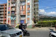 De un machetazo en la cabeza asesinaron a un joven de 16 años en Medellín