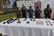 Las armas pertenecerían a grupos ilegales, informaron las autoridades.