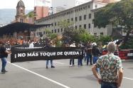 Comerciantes protestan en el Centro de Medellín por las medidas restrictivas.