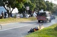 Un motociclista que impidió que se llevará acabo el hurto, resultó lesionado.