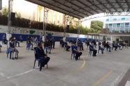 Conservando las distancias y haciendo uso del tapabocas, comenzaron las clases en Itagüí.