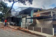 Se incendio su casa y quedaron en la calle en barrio Pedregal de Medellín