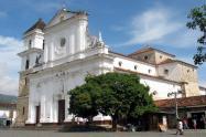 """Con letrero en el pecho que decía """" Por atracador"""", encontraron cadáver en Santa Fe de Antioquia"""