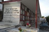 Las tumbas NN son adoptadas por personas de la comunidad para elaborar su duelo