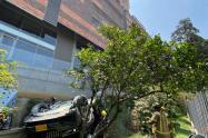 Mujer murió al caer de un quinto piso en zona de parqueadero del barrio El Poblado