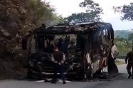 Quema de un bus en Ituango, Antioquia.