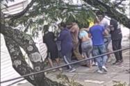 Intentaron saquear un almacén y los sacaron a bala