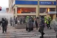 En las últimas manifestaciones siete personas resultaron lesionadas en medio de los disturbios.