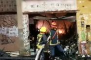 Incendio destruyó chatarrería en Caldas Antioquia