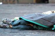De una puñalada en el cuello asesinaron a un habitante de calle en el centro de Medellín