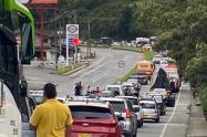 Se registran bloqueos en las vías que comunican a Medellín