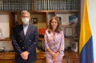 El director de Human Rights Watch (HRW) para las Américas, José Miguel Vivanco y la vicepresidenta y Canciller, Marta Lucía Ramírez