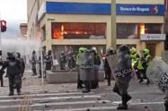 Alcalde Quintero dijo que violencia en las marchas de Medellín mantiene al uribismo en el poder