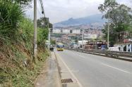 Arrojan cadáver metido en bolsas cerca de un colegio de Bello