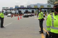Con la vigilancia de 600 policías en las vías, avanza el puente festivo en Antioquia