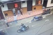 Robaron celulares a menores mientras les apuntaban con arma de fuego en Medellín