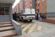 Por un supuesto regaño de mamá, niño de 12 años se lanzó desde un quinto piso