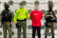 En este mismo operativo fueron detenidas 20 personas más y un menor de edad fue aprehendido.