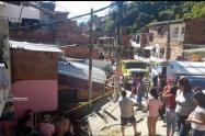 El conductor del automotor resultó lesionado, indicaron las autoridades.
