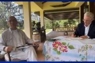 Álvaro Uribe y padre Francisco de Roux, presidente de la Comisión de la Verdad